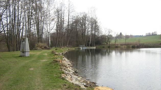 Rybník v Ležákách je v havarijním stavu, oprava bude drahá
