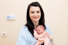 ANETA DUBSKÁ (2,9 kg a 49 cm) se 9.2. v 14:11 narodila Lucii a Romanovi z Úhřetic. Doma na ni čeká tříletá sestřička Alice.