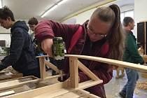 Mimořádně akční TECHNOhrátky v Chroustovicích představily školákům sedmnáct řemesel