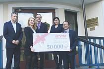 Centrum sociálních služeb a pomoci Chrudim získalo od společnosti KYB CHITA Manufacturing Europe finanční dar ve výši 50 000 korun.