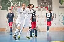 Lukáš Rešetár se v zápase proti Helasu zasloužil o polovinu gólů svého týmu. Tři vstřelil, na další dva nahrával.