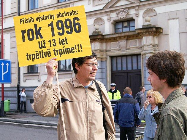 Proti odkládání stavby obchvatu se v Chrudimi i protestovalo
