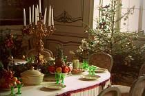 Vánočně vyzdobená jídelna na zámku ve Slatiňanech čeká na návštěvníky