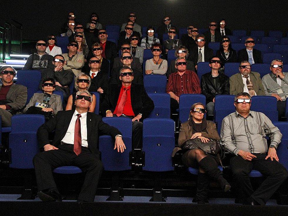 Pozvaní hosti si pochvalovali i nové 3D kino.