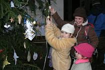 Na tři stovky návštěvníků obdivovalo v expozici slatiňanského zámku ozdobené stromky a připravenou štědrovečerní večeři