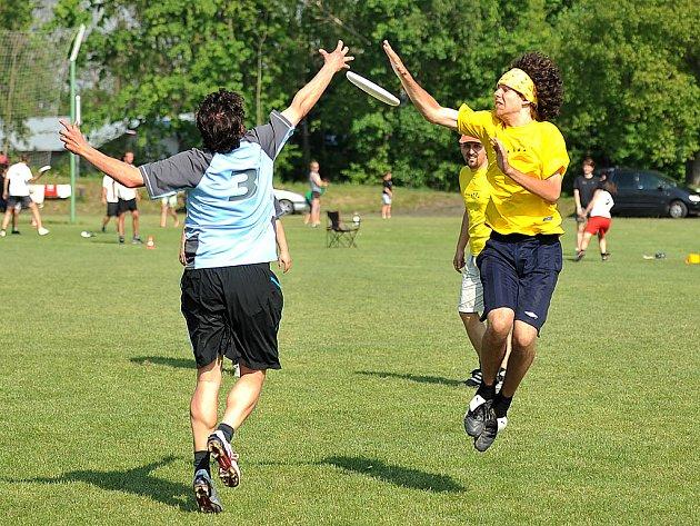 Chrastecký stadion patřil po tři dny dvanáctému ročníku tradičního turnaje ve frisbee v otevřené kategorii