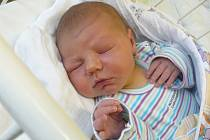 DANIEL ŽÚBOR se 11.3. v 8:37 pyšnil váhou 4,31 kg a mírou 52 cm. První domov mu rodiče Kateřina a Marek připravili v Újezdu u Sezemic.