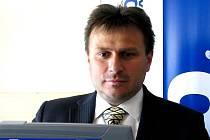 FRANTIŠEK TICHÝ. Předseda klubu FK ERA-PACK Chrudim při on-line rozhovoru v redakci Chrudimského deníku