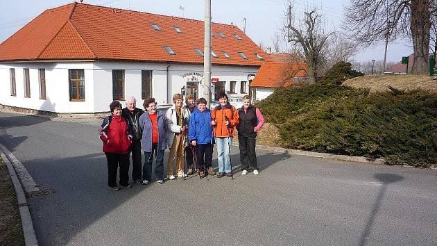 Turisté z KČT Slatiňany vyrazili na jarní výlet do Chrasti a Zaječic.