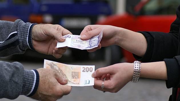 Lidí, které by Milan L. ze Zaječic se žádostí o peníze neotravoval, moc není. Některé lidi při své drzosti dokonce oslovil již vícekrát.