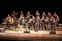 KYX ORCHESTRA hraje džez, swing i moderní žánry.