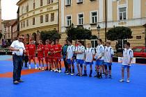Ressleovo náměstí v Chrudimi patří několik dní sportovne hudební akci s názvem One world - Jeden svět.