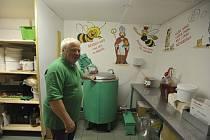 Václav Benda z Vejvanovic slýchával bzukot včelích úlů odmala.