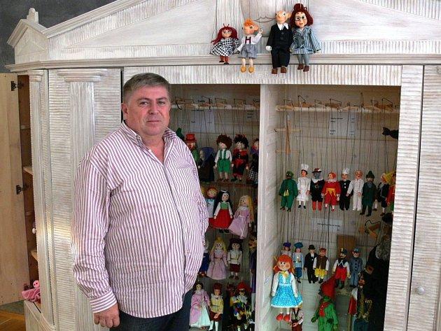 GENERÁLNÍ ředitel Slovenského ľudového umeleckého kolektívu Juraj Hamar.