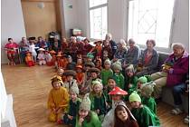 Děti z mateřské školy potěšily klienty Senior rezidence.