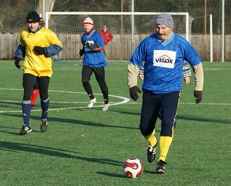 Členové fotbalového oddílu AFK Chrudim se na Silvestra tradičně sešli, aby si zahráli fotbálek