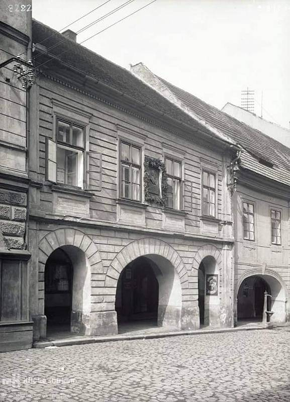 HISTORICKÁ PODOBA domu.