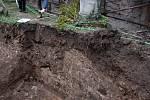 Na výkop septiku dohlíželi archeologové.