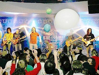 Skupina Ultrablue při jednom z koncertů.