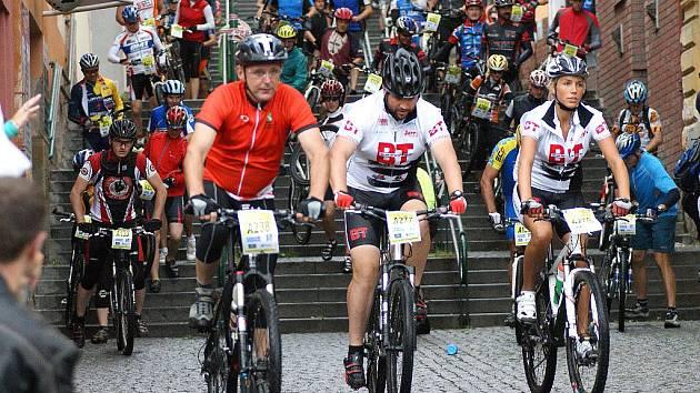 Cyklistický maraton MTB Manitou Železné hory odstartoval.