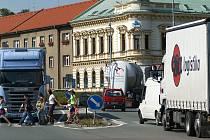 Dopravní špička v Chrudimi.
