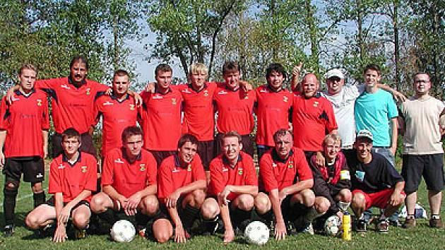Působení mužstva Sokola Holetín  ve IV. třídě  je zatím úspěšné.