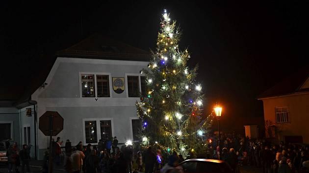 Vánoční strom v Nasavrkách