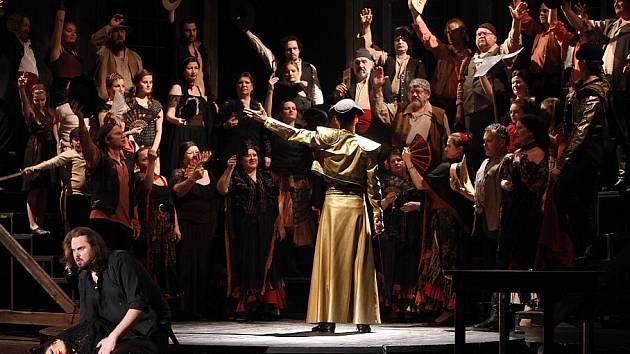 Velkolepé představení Bizetovy opery Carmen v podání Moravského divadla Olomouc.