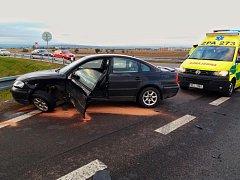 Nehoda na křižovatce u Chrudimi.