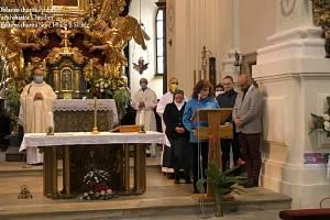 V sobotu 26. září u příležitosti celorepublikového Dne Charity poutní chrám Panny Marie Pomocné na Chlumku v Luži přivítal poutníky.