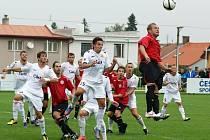Fotbalisté MFK Chrudim porazili doma Písek 2:0.