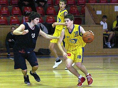 Basktebaloví junioři Darrenu Chrudim pokračují v úspěšných výkonech.