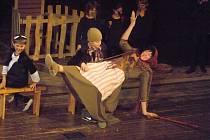 Muzikálové představení Perníková chaloupka na motivy bratří Grimmů (podle opery Josefa Línka) v podání  žáků ZUŠ Chrudim