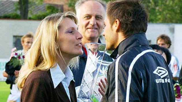 Jablonecký kapitán Miroslav Baranek se už těší na polibek od starostky Hlinska.