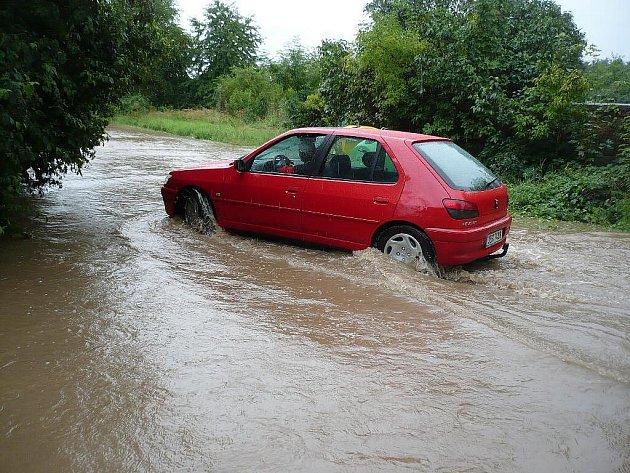 Povodně se nevyhnuly ani Podhůře u Chrudimi.