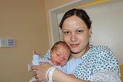 DANIEL URBAN (3,2 kg). Čerstvými rodiči jsou od 3.4. od 14:02 Pavel a Michaela z Holetína.