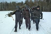 Ledový vítr ztěžoval policistům náročný výcvik