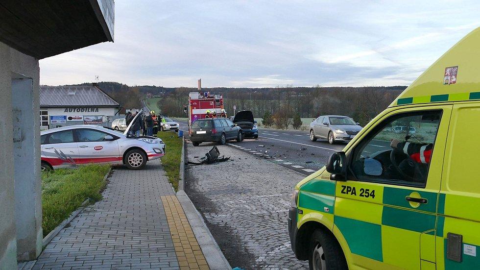 Dopravní nehoda na silnici ze Slatiňan do Nasavrk.