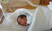 TOMÁŠ ČAPEK (3,54 kg a 52 cm) je od 29.5. od 20:20 jméno prvního miminka Lucie a Tomáše Čapkových z Chrudimi.