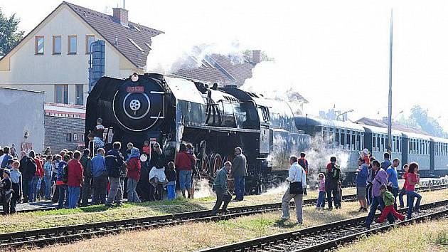 Pára dříve neodmyslitelně patřila k železnici.