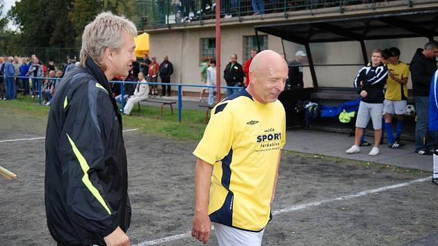 JAK HO NEZNÁTE. Slavistický trenér Karel Jarolím v sobotu nastoupil za ŽSK Třemošnice proti Lanškrounu.