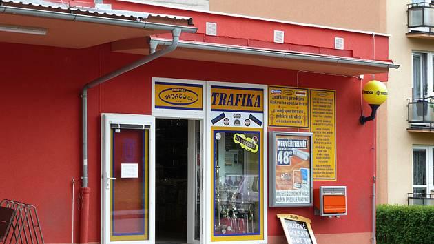 Obyvatelé sídliště Rozhledna v Chrudimi jsou odkázáni na dvě malé prodejny s potravinami, jejichž rozměry nepřesahují třicet metrů čtverečních.