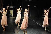 Chrudimské baletky a tanečníci opět zářili na soutěži Hradecká Odette 2012.