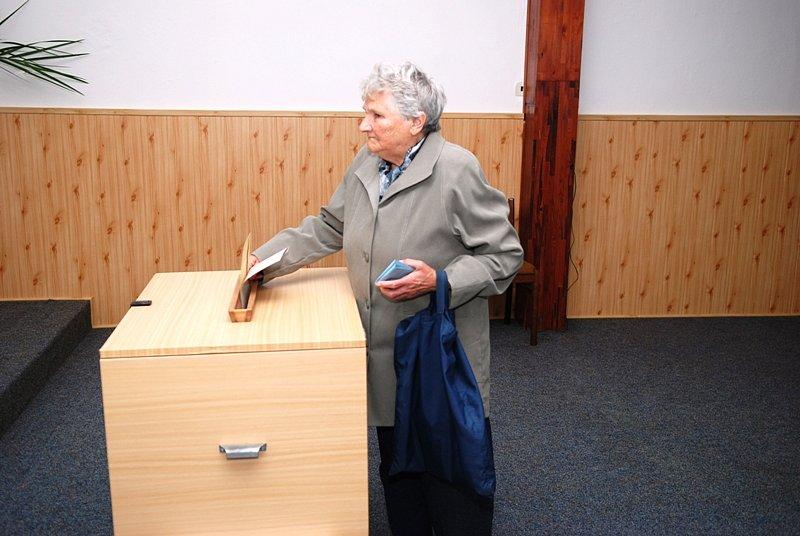 Volební obvod Prachovice patří mezi největších volební okrsky v okrese Chrudim, bylo zde vydáno 1 156 hlasovacích lístků.