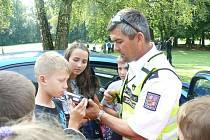 Ukázky práce policistů na táboře v Běstvině.