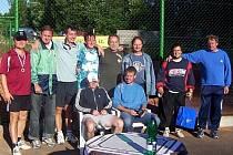 Hlinečtí neregistrovaní tenisté.