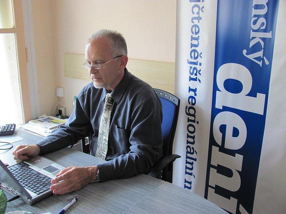 On-line rozhovor s ředitelem Hamzovy léčebny Václavem Volejníkem.