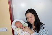 JAKUB DVOŘÁK (3,1 kg a 50 cm) je od 24. 3. od 15:00 prvorozeným synem Jiřího a Ivany Dvořákových z Proseče.