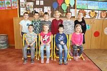 Prvňáčci ze Základní školy Komenského Skuteč, které vede paní učitelka Marie Zelenková.