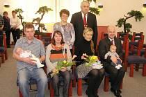 V Třemošnici uvítali dva nové občánky - Vašíka Erbena a Davídka Kovandu.